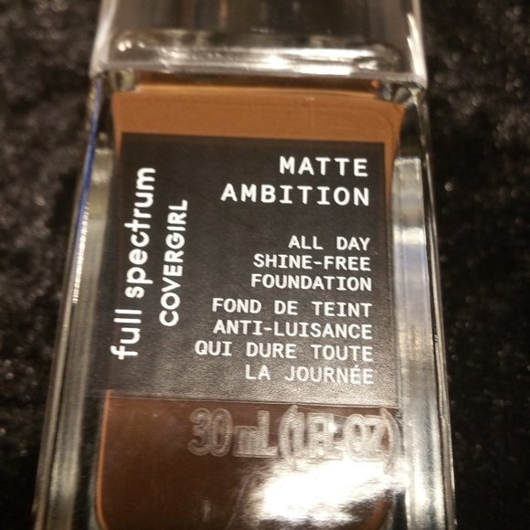 COVERGIRL Other - 3 Matte Ambition All Day Foundation Deep Cool